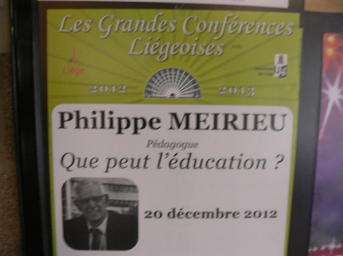 Philippe Meirieu là một nhà giáo suốt đời tận tụy bảo vệ quyền của người đi học và lo về phương pháp sư phạm
