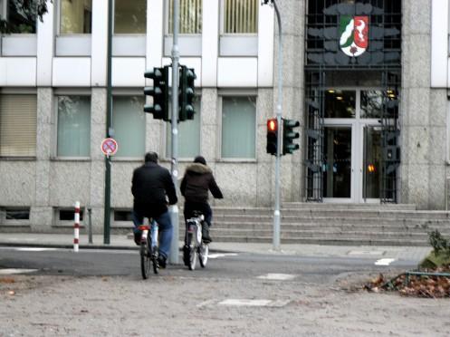 Kết hợp các phương tiện di chuyển trong thành phố như thế, hạn chế được nạn kẹt xe