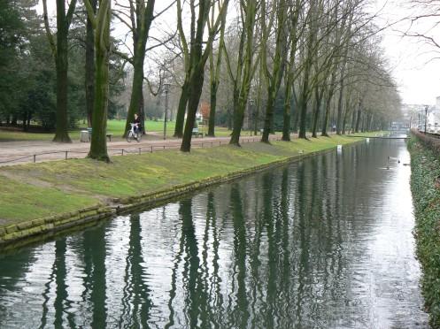 Giá trị sống ở Dusseldorf cao nhờ những công viên, rất nhiều công viên và rôưng, những buồng phổi xanh của đô thị