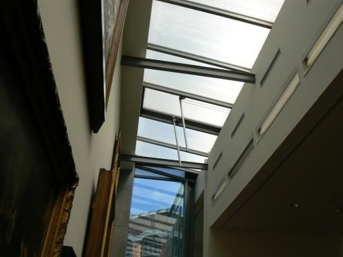 Et voici comment les architectes rénovateurs captent la lumière naturelle pour éclairer les tableaux