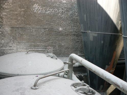 Idem pour les cuves de chauffage de l'eau des bains