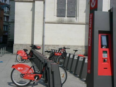 Petite ville, avec une ligne de métro mais Roubais favorise aussi le vélo ...