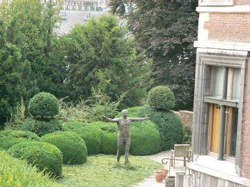 Trở về nơi César Franck đã chào đời, đây là cảnh vườn hiện thời, phía sau ngôi nhà ấy