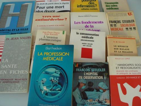 Xã hội học về Y khoa: vài sách gối đầu giường (Ảnh M. Poirrier ).