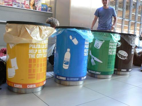 Để phân loại rác ở Padova, Ý