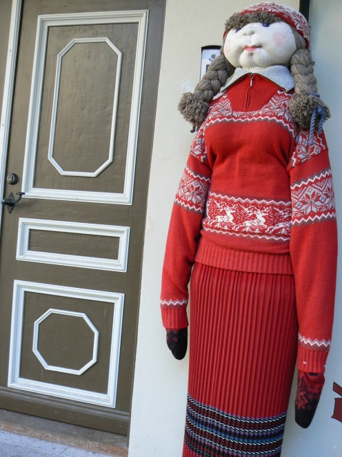Áo tôi đỏ nhưng nếu bạn thích màu khác, bạn tha hồ chọn, mời bạn vào
