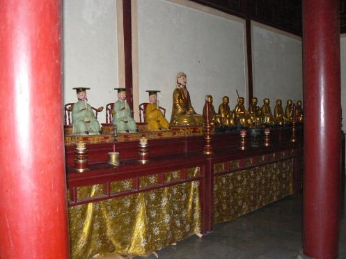 Những bức tượng La hán, nghệ thuật đúc đồng của thế kỷ thứ ..., sưn son phết vàng