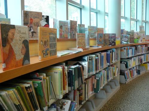 Tầng trệt dành cho độc giả trẻ